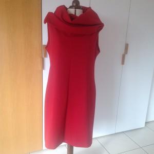 Die rote Variante aus schwerem Jersey